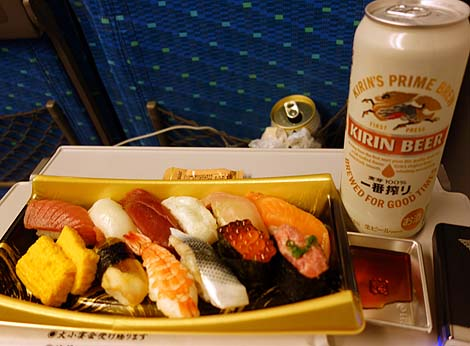 長距離移動電車旅で「駅弁」は必須のアイテム?別途調達できる?その味と価格からぶった斬る!