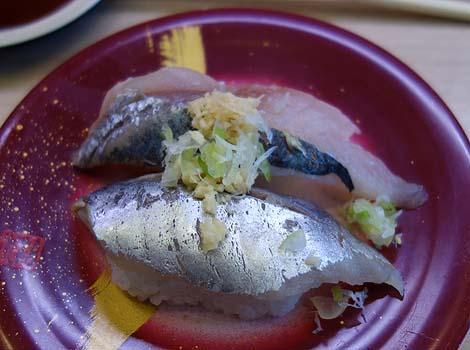 回転寿司 江戸っ子(東京神田)山盛り軍艦が有名な昼呑みしやすい回転すし