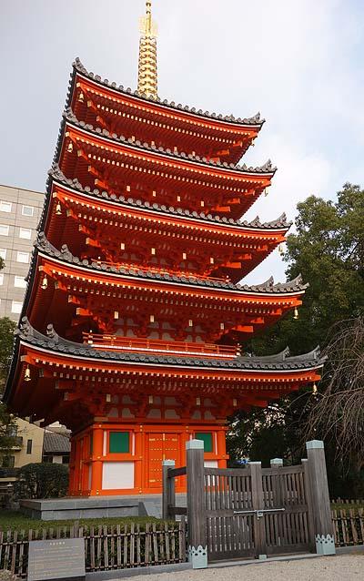 まさか博多のど真ん中に日本一の巨大木彫大仏がいただなんて・・・(東長寺福岡大仏)珍寺めぐり