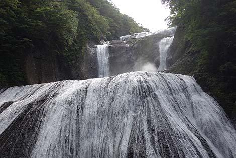 日本三名爆の1つは今まで見た滝の中で一番迫力ありました!「袋田の滝」(茨城県久慈郡)