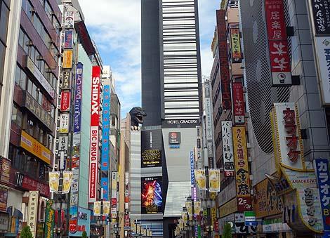 ゴジラに歌舞伎町が襲われている!!!「TOHOシネマズ 新宿」(東京)珍建築