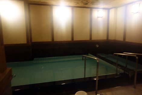 PH10を超える強アルカリを誇るビジネスホテル!「ホテルグランスパ アベニュー」(福岡朝倉市)