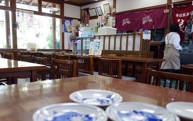 出石皿そばめぐりの3軒目「花水木[はなみずき] 本店」(兵庫豊岡出石)大衆食堂っぽいお手軽お蕎麦屋さん
