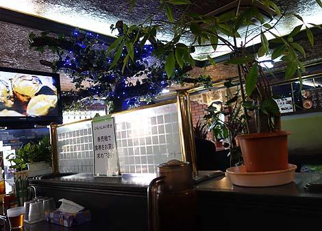 ハイウェイ食堂(沖縄那覇)那覇最後の外食は24時間営業大衆食堂でボリュームたっぷりランチとつく定食を