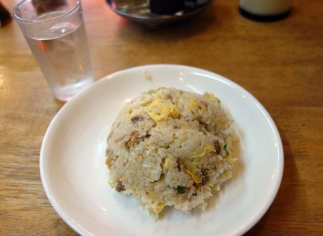 宝楽(神戸新開地)昔ながらの大衆中華食堂でいただく700円ラーメンやきめしランチ