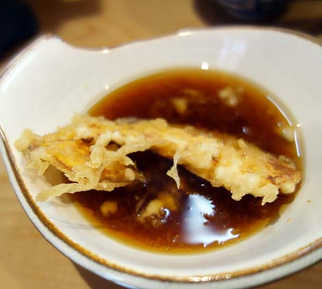 天婦羅 いもや(東京北千住)神保町名店の味を引き継ぐカラッと軽いタッチの老舗天ぷら屋さん
