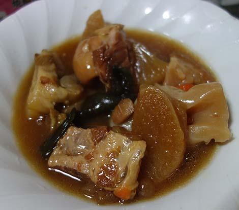 イオン 南風原店(沖縄)沖縄産琉美豚の冷しゃぶとオキハムのてびち・ナンコツソーキの煮付け・イカのすみ汁/ご当地スーパーめぐり