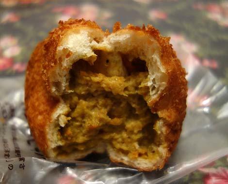 元祖カレーパンの店 カトレア(東京森下)歴史の深さを感じさせるそのカレーパンのお味は?