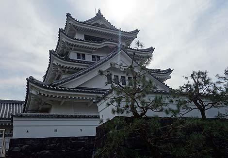 阿波九城の一つが立派に再建されております「川島城」(徳島吉野川)模擬城