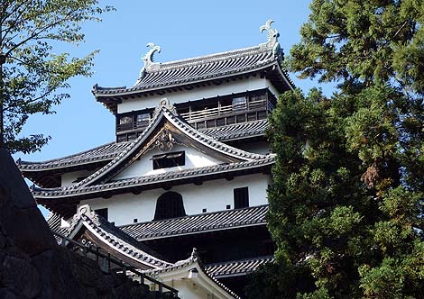 江戸時代初期建造の天守閣が現存している国宝「松江城」(島根松江)