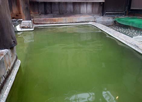 緑色をしたこんな不思議な源泉はかつて見たことない!「国見温泉 森山荘」(岩手雫石町)