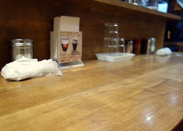 肉太郎 大阪駅前第3ビル店(大阪梅田)ワンコイン+税でいただける肉醤油ラーメン