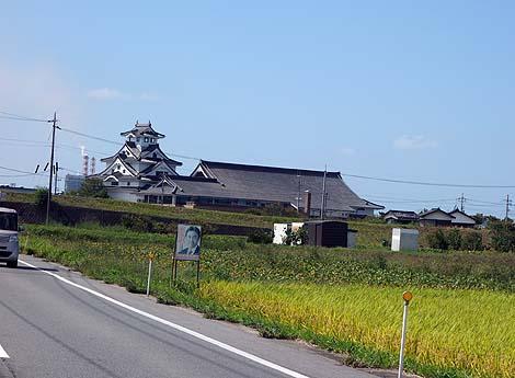 この立派な天守閣は米子城と思っちゃうかもしれません「お菓子の壽城」(鳥取米子)ニセ城シリーズ