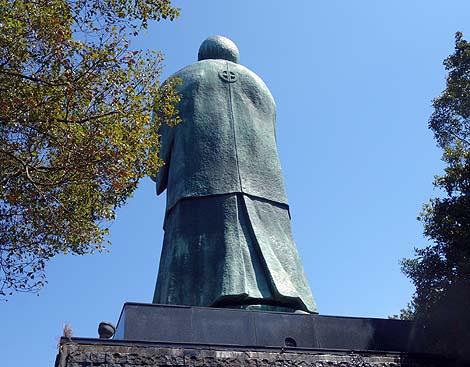高さ10.5m!日本一大きい人物銅像は西郷隆盛像です「西郷公園」(鹿児島県霧島市鹿児島空港近く)