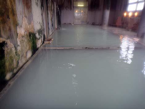 強烈な硫黄泉の350円源泉かけ流し温泉銭湯「さんない温泉 三内ヘルスセンター」(青森市)
