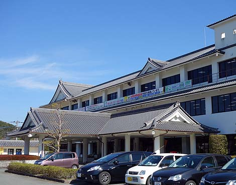 役所が城郭風にデザインされております「竹田市役所」(大分竹田)ニセ城シリーズ