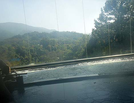 香川県では珍しい2種類の泉質が楽しめる温浴施設「たからだの里 環の湯」(香川三豊市)