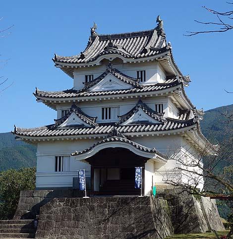 ようやく現存12城めぐりも最後の天守閣です「宇和島城」(愛媛宇和島)