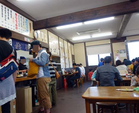 山下うどん(香川県善通寺市)モチモチとグミのように伸びる讃岐うどんをぶっかけで