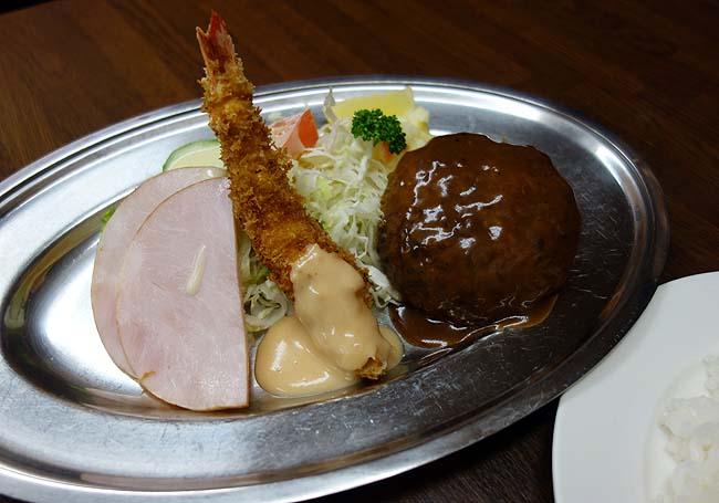 洋食 赤ちゃん(神戸阪急春日野道)2500円のスペシャルビフカツはその値段に見合う最高の旨さやった
