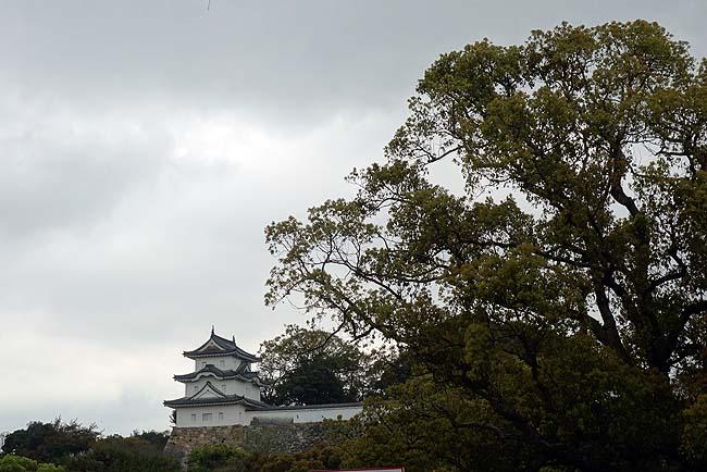 日本100名城にも選ばれている城であるが櫓しか残っていない城です「明石城」(兵庫明石)
