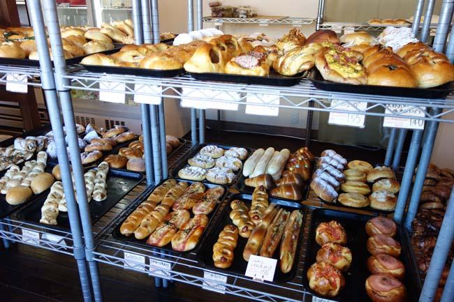 あこうぱん(兵庫播州赤穂)観光客もこぞって買いに来る播磨地区ではナンバー1人気のパン屋さん