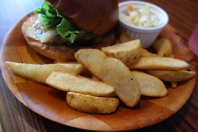 ジャクソンビル[Jacksonville](北海道札幌)本格アメリカンタイプのハンバーガー平日限定プレートセット