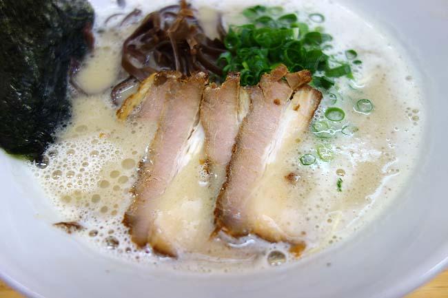 金田家(福岡行橋)過去食べた九州系豚骨ラーメンでは最高峰のこってり濃厚♪