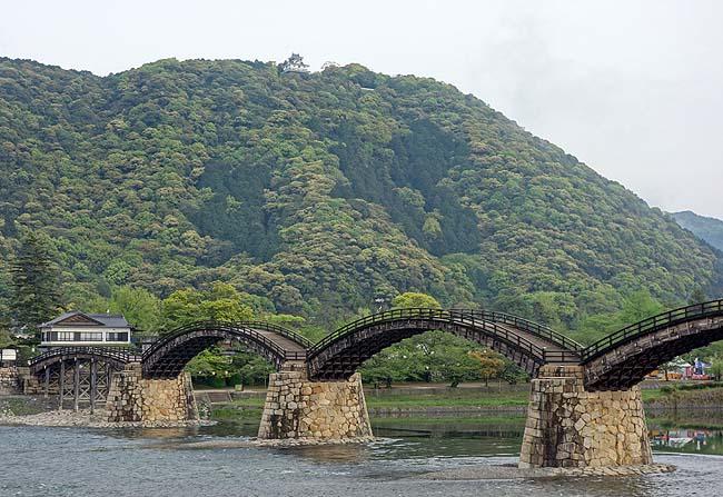 メジャーな観光地なゆえわたくしは岩国城を眺める景色だけ「錦帯橋」(山口)