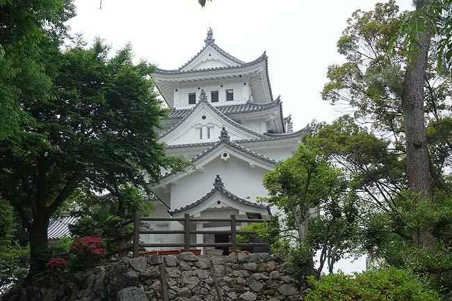 ここの城も太平洋戦争の戦火がなければ現存城やったはずやのに・・・「大垣城」(岐阜)外観復元城