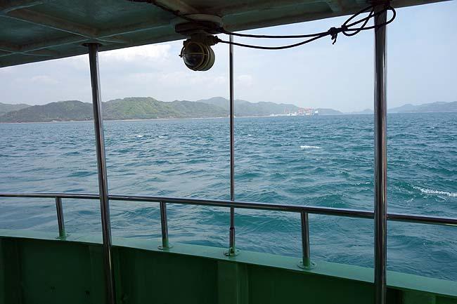 ウサギと毒ガス島で有名な瀬戸内海にある離島です「大久野島」ママチャリを置いてフェリーで渡航(広島竹原)
