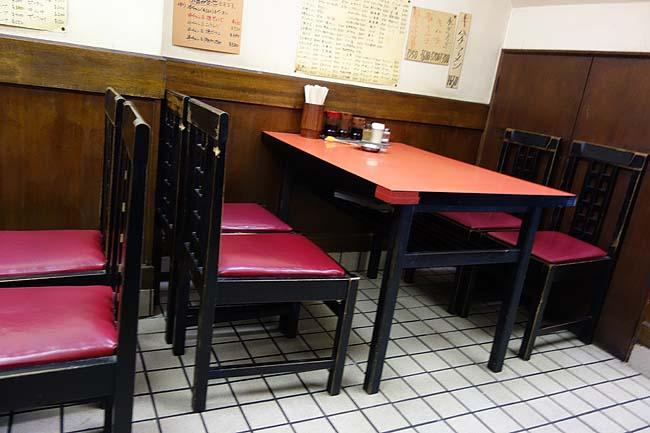 中華飯店・酒家 梨園(神戸元町・花隈)高架下の家族経営ローカル大衆中華で揚げそば半チャンセット