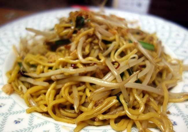 中華厨房肴や TOSHI[トシ](北海道札幌大通)香港風の炒め焼きそばをワンコインランチにて