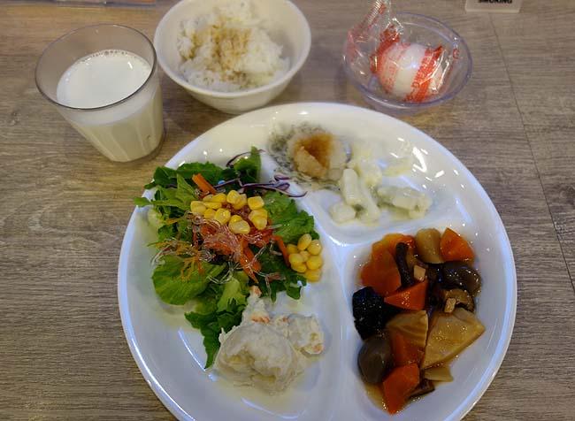 ホテルアクティブ!博多(福岡)これだけ品数の多い朝食バイキングがあるビジネスホテルもなかなかない