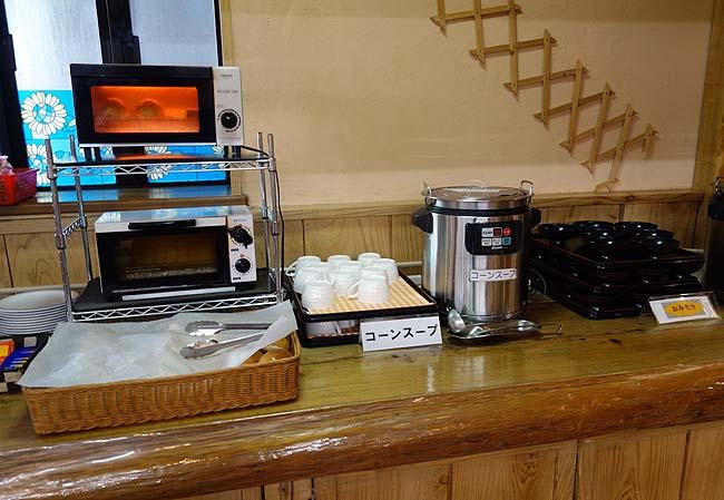 アーデンホテル阿蘇(熊本)朝食はバイキング!阿蘇の牛乳飲みつつ今日も食い溜めするぞい