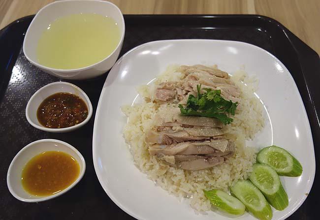 ようやくありつけたタイらしい飯!けどまだまだタイ語か英語だらけだぞ・・・どうする?