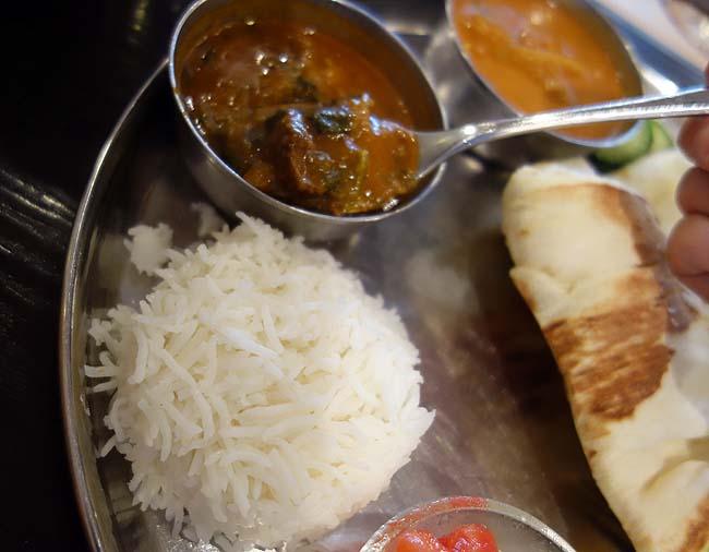 アーンドラ・ダイニング[Andhra Dining] 銀座(東京)南インドのカレーランチは890円とは思えぬ出来映え!