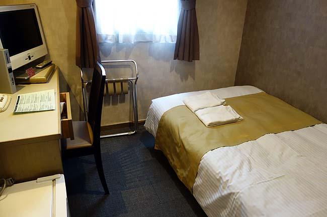 ホテル エリアワン博多(福岡)楽天トラベル限定プラン税込み2500円で個室シングル宿泊できました