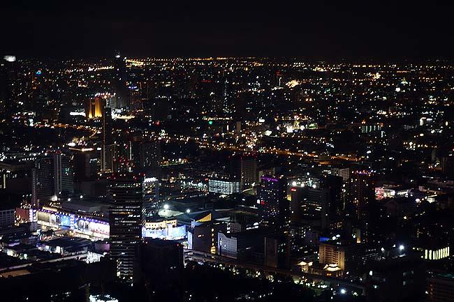 地上高300mの屋外展望台でバンコク一望「バイヨーク スカイ タワー」は宿泊すると無料利用可