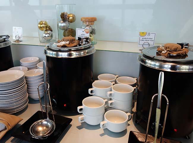 こりゃ過去最高品数の朝食バイキングやな「バイヨークスカイホテル」in バンコク