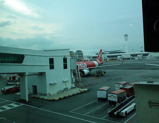 コミュ障英語でけへん男がクアラルンプールでいかに飛行機を乗り換える?無事バンコク入りするか?