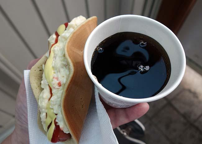 ソウル激安のB級グルメと言えばここ!「カップ飯通り」で2食を爆食い!