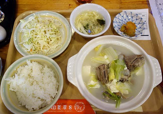 中国茶房8(東京新宿)ワンコインに近い値段で安い中華ランチ「鴨肉と野菜豆腐の煮込み」