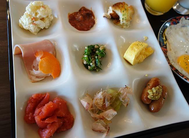 阿寒の森鶴雅リゾート花ゆう香(北海道)朝食バイキングの品数もさすが高級ホテル!相変わらずの食い溜め