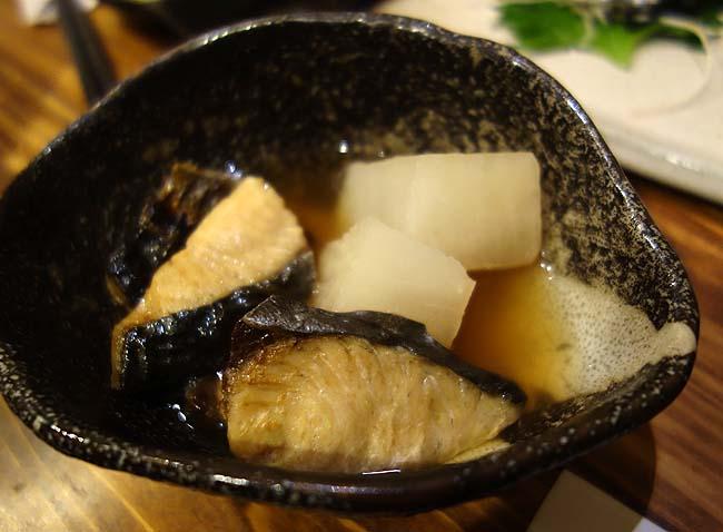 かこも 北浜店(大阪)神戸で一番好きなアテが美味しく日本酒が強い立ち飲みの支店