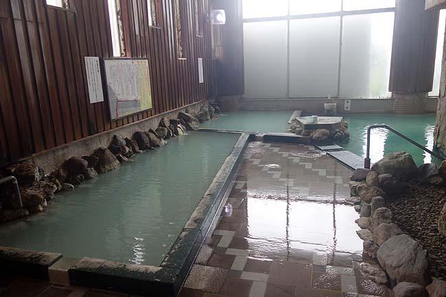 お宿 欣喜湯(北海道川湯温泉)硫黄たっぷり!強烈酸性!100%源泉かけ流し温泉の実力はさすが力強い(施設編)