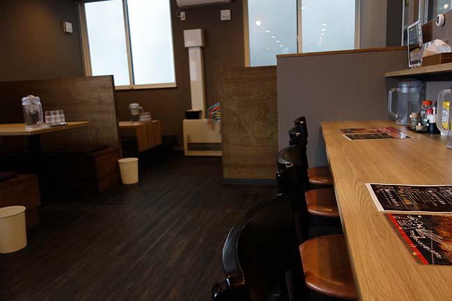 麺や虎鉄 大町店(旭川)北海道あちこちで展開しているラーメンチェーンであら味噌らーめん