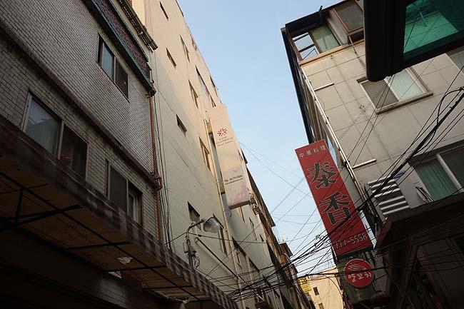 この日のホテルはソウル駅近くで。。。しかし2000円の個室ゲストハウスはすごいぞ