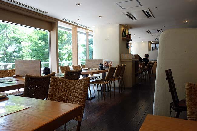 ラ・パウザ 小麦の家 時計台前店(北海道札幌)イタリアンファミレスチェーンでアサリ海老キャベツのボンゴレパスタ