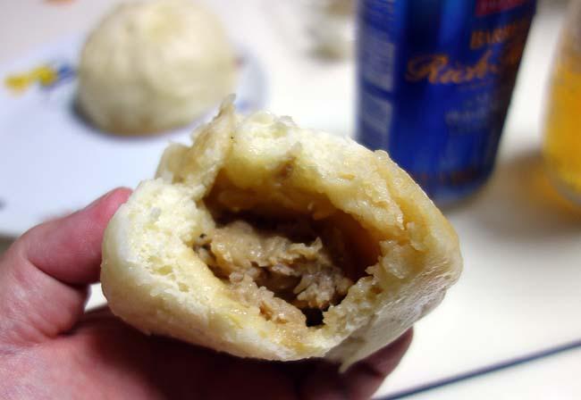 桃助(大阪阿波座)大阪ローカル豚まんのお店はあの大手チェーンの味を超えるのか?